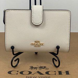 NWT Coach Corner ZIP Wallet  Leather White